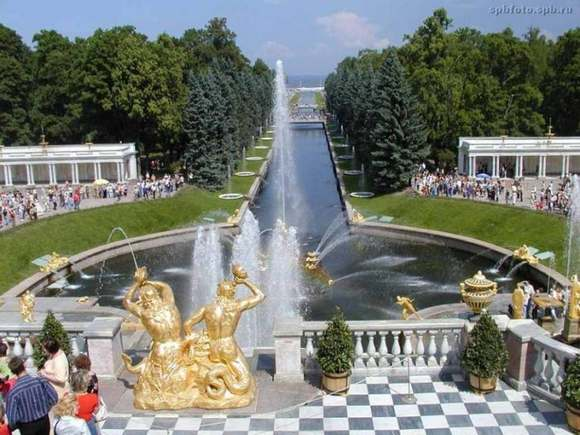 Peterhof The Best 7 Wonders of Russia