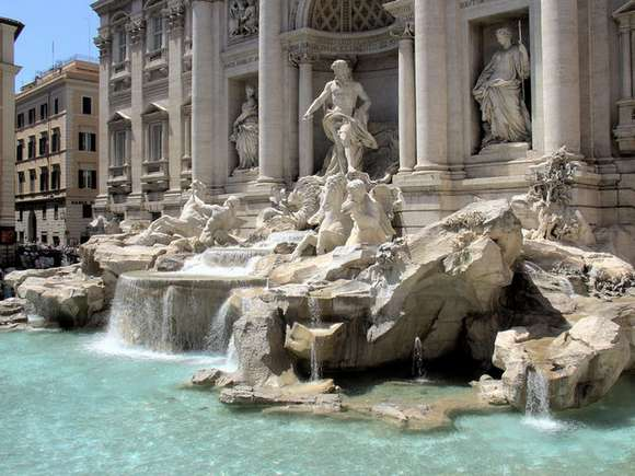 15 trevi fountain fontana di trevi rome italy 83 4 Beautiful Italy destinations