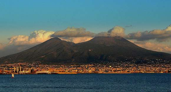 17 mount vesuvius naples italy 102 4 Beautiful Italy destinations