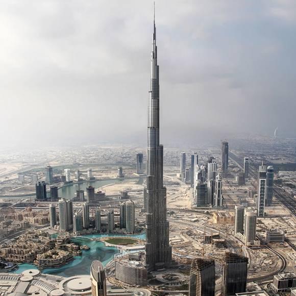 http://www.mothertrip.com/wp-content/uploads/2009/12/Burj-Dubai-tallest-skyscraper-3.jpg