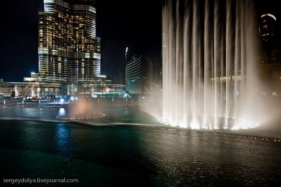 Dubai Fountain Show 1 Dubai Fountain Show