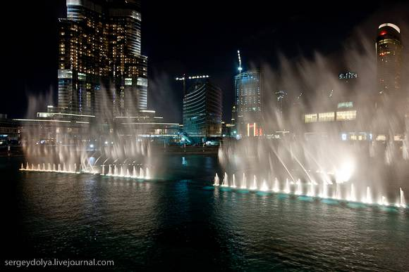 Dubai Fountain Show 11 Dubai Fountain Show