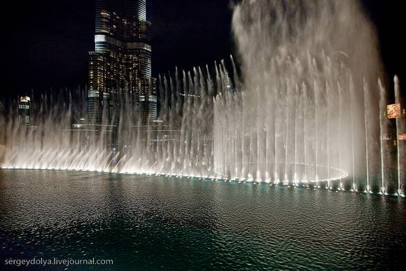 Dubai Fountain Show 6 Dubai Fountain Show