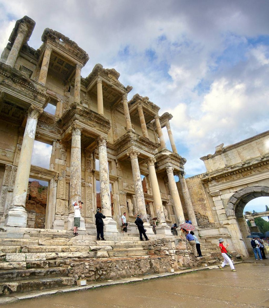 1 Celsiuslibrary DK 893x1024 Ephesus The ancient city in Anatolia