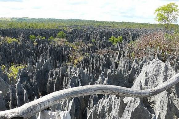 madagascar rocks 9 Madagascar Rocks